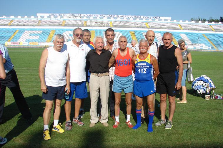 Cătălin Andreica (stânga), alături de colegii de generație, printre ei, Mustață, Floroiu, Copu etc