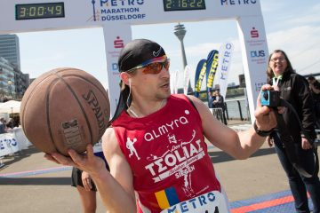 Raphael Igrisianu, record mondial alergare maraton cu o minge de baschet