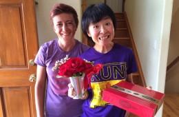 Lidia Șimon, alături de o alergătoare din Japonia // fotografii: arhivă personală