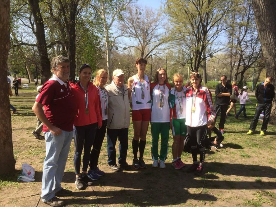 Simona Staicu, alături de colegii maghiari
