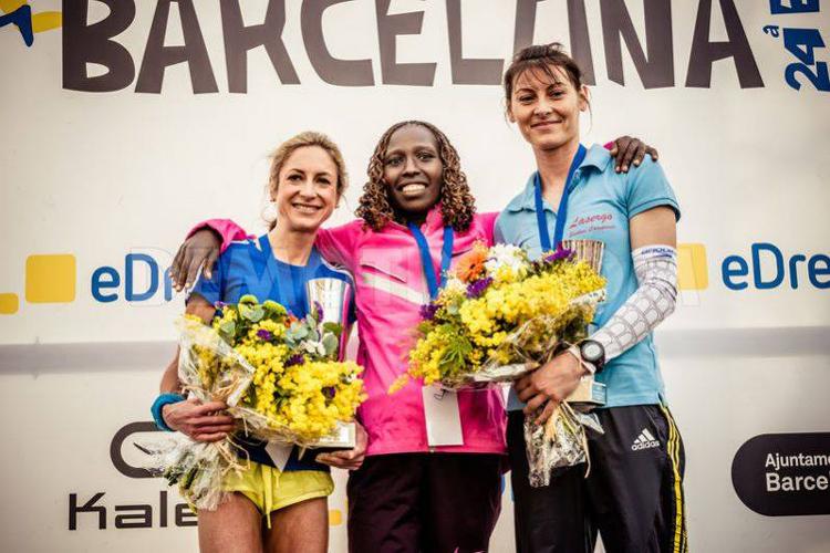 Paula Todoran (dreapta)