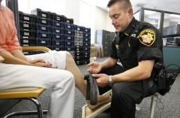 Brățară de monitoriza infractori
