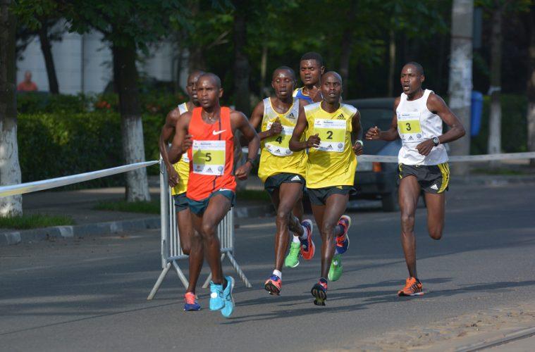 Atleți din Kenya, în România // foto: Andra Panduru