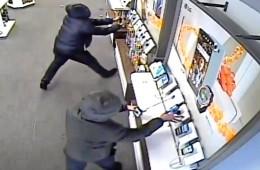 Hoți furând din magazin, Toumany Coulibaly