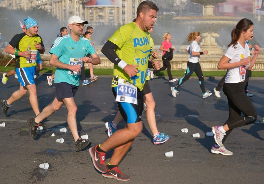Alergători pe asfalt / foto: Andra Panduru