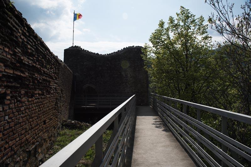 cetatea-poienari-interior