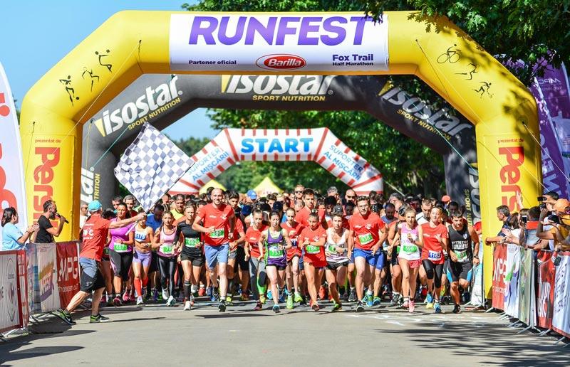 RUNFEST_FOX-TRAIL-Half-Marathon_start-1_foto-Ovidiu-Salavastru