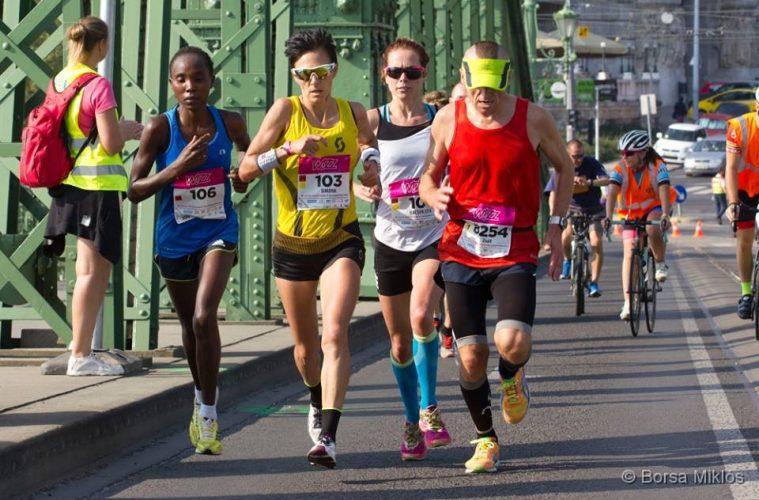 Simona Staicu, la semimaratonul Budapesta / foto: Miklos Borsa
