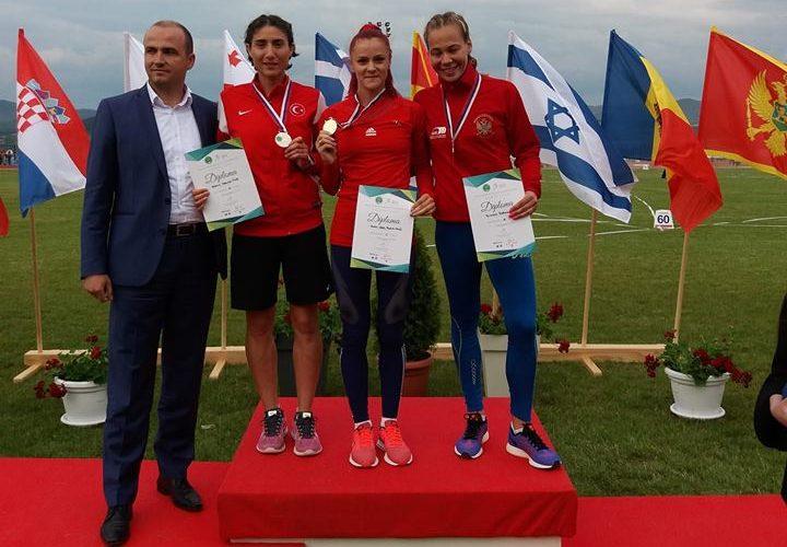 Adela Bălțoi, Balcanice, campioana 3.000 m