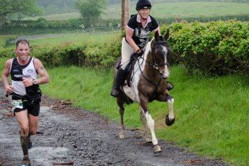 Alergător versus cal alergător