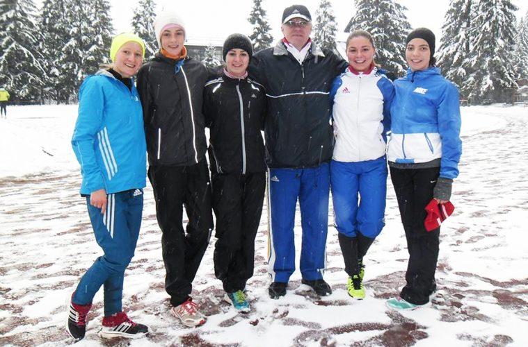Dragomir Cristian, alături de Liliana Danci, Loredana Cimpoieru și alte atlete de la Caransebeș
